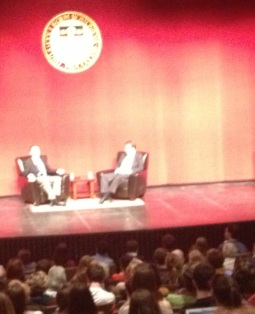 Just a coupl'a guys, chatting in their armchairs. Under really bright lights. With 700 people in the room.